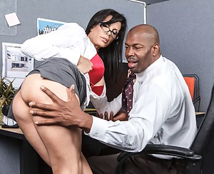 Free Big Ass Secretary Porn Pictures