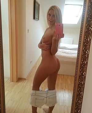 Free Big Ass Selfshot Porn Pictures